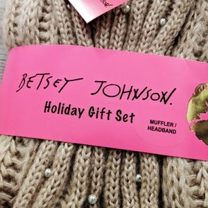 Betsey Johnson Scarf & Headband Gift Set